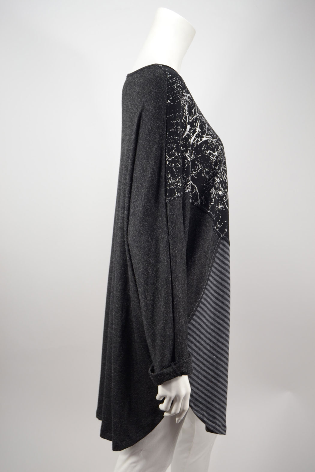 024f2b3b34e3 AKH Damen Tunika Longshirt im Muster-Mix aus Viskose Schwarz 44 46, 79,90 €